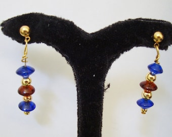 GLASS BEAD EARS drop 1 1/8  inch from goldtone post and clutch