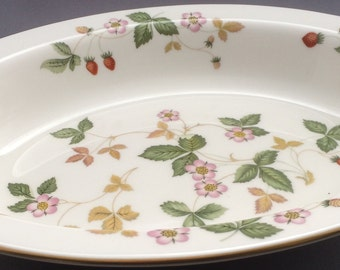 Wedgwood Wikd Strawberry Oval Open Vegetable Serving Dish