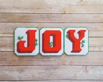 Joy Sign Decor Yarn Cross Stitch Rustic Plastic Canvas Decoration Vintage Holiday Joy Christmas Cheerful Red Decorations Joy To The World