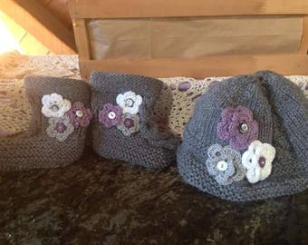 Baby hat and bootie set