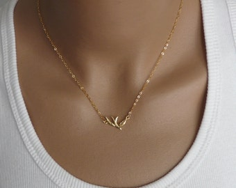 Bird charm necklace, Gold Filled necklace, Delicate necklace, Simple Tiny necklace, Bird pendant