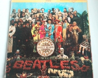 The Beatles Sergent Peppers Lonely Hearts Club Band LP SMAS-2653 1ST PRESS including posterCanada