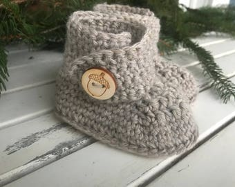 Woodland baby gift, baby booties, crib shoes, baby shoes, baby shower gift, crochet baby shoes, crochet baby booties, wool baby shoes, made