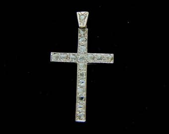 Vintage Estate 10k White Gold & Diamonds Religious Crucifix Cross Pendant 4.1g E2951