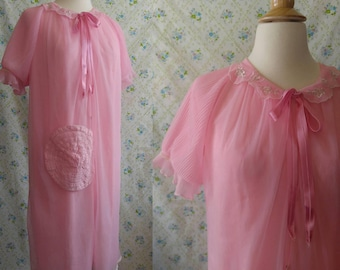 1950s bubblegum pink house coat with patch pocket