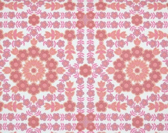 Retro Wallpaper by the Yard 70s Vintage Wallpaper - 1970s Pink and Coral Geometric Floral on White