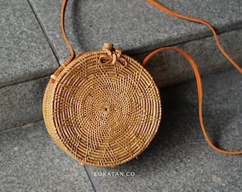 Flower Handwoven Round Rattan Beach Bag Bali - Natural Ata Grass Shoulder Bag With Lotus Pattern