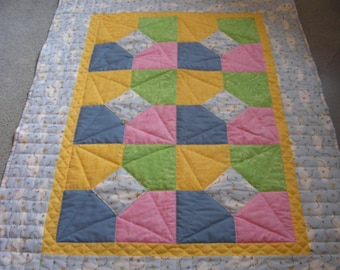 Quilt, Bright Kites in Flight, hand quilted lapquilt, Yellow, Green, Pink, Blue