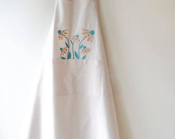 Apron XXL, high-quality off-white cotton canvas with applied flower.