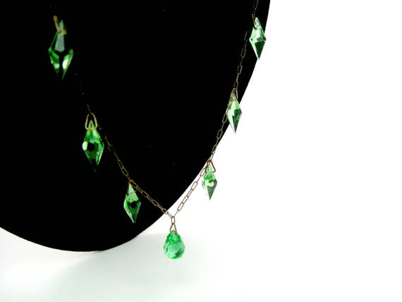 Vintage Art Deco Necklace. Czech Glass Choker. Green Briolette & Bicone Bead Crystals, Peanut Chain. 1920s Beaded Jewelry