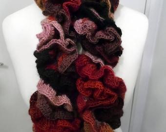 Handmade - scarf in wool and acrylic RUFFLED crochet