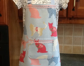Childs full apron/ cover up