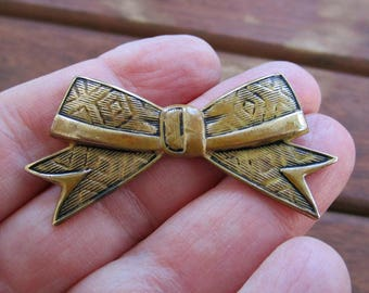 Vintage 1940s Bow Brooch - Pin - Geometric - Diamond Pattern