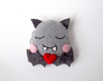 Adorable felt bat, pin or hairclip