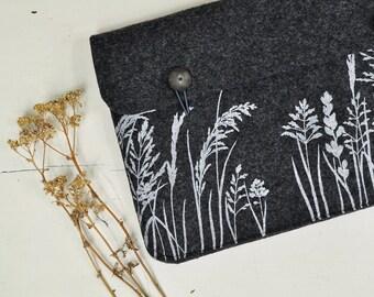 "Macbook sleeve, Mac Pro / Air 13"" case - Dark Gray Felt sleeve screenprinted - soft cover with Wild Grass Pattern"
