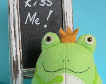 Frog sewing pattern, frog sewing pdf, plush pdf pattern, frog PDF, frog softie pdf, felt toy pattern, stuffed toy pdf, frog prince, frog