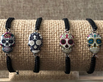 Skull Bracelet / Skull Jewelry / Friendship Bracelet / Gothic Jewelry / Punk Jewelry / Skeleton Jewelry / Minimalist Jewelry / Gifts/ Boho