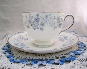 WEDGWOOD - Bone-china teacup and saucer - Belle Fleur