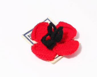 New Vintage Hand Knitted Poppy Brooch
