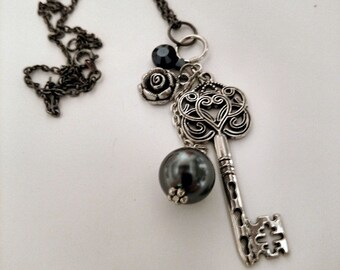 Key and Pearl steampunk necklace