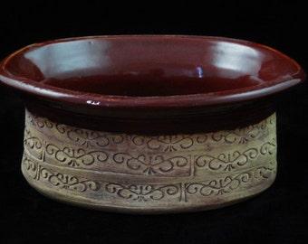 Oval stoneware dish