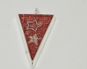 Triangle star pendant with chain