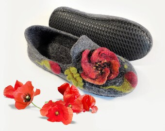 Slippers womens wool house shoes Handmade wool slippers - Felted wool shoes - felt shoes - felted slippers - warm slippers - House slippers