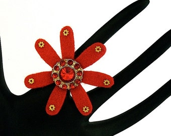 Rihanna (Funky Felt Flowers Cocktail Ring)