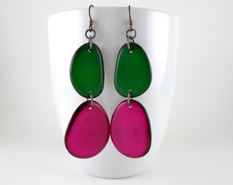 Kelly Green and Fuchsia Pink Tagua Nut Eco Friendly Earrings with Free USA Shipping #taguanut #ecofriendlyjewelry