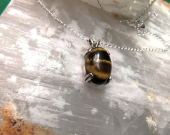 """14x10mm Tigerseye Cabochon & Sterling Silver 18"""" Necklace"""