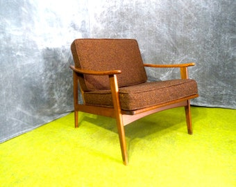 Mid-Century Modern Lounge Chair