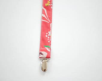 baby girl pacifier clip, baby pacifier clip, poppy pacifier clip, baby shower gift, pacifier holder, soothie clip