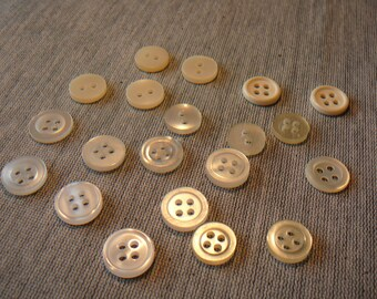 20 buttons plain white / cream 2 or 4 holes for scrapbooking / sewing / customization / embroidery...