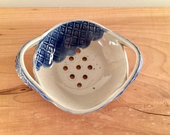 Ceramic Berry Bowl, Berry Bowl Colander, Handmade Berry Bowl Strainer, Pottery Berry Bowl, Food Prep, Housewarming Gift, Ceramic Strainer