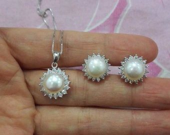 real pearl Necklace, flower pearl necklace, Flower Necklace, Pearl Necklace pendant, pearl pendant, freshwater pearl necklace