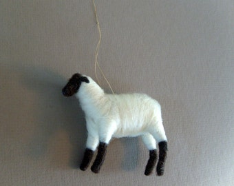 sheep ornament made of wool from Ewe and Us