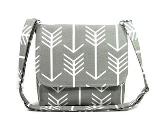 Gray Arrow Purse, Small Messenger Bag for Women, Handmade Gray Pocketbook, Gray White Fabric Shoulder Bag, Cross Body Bag, Crossbody Purse