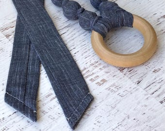 Denim teething necklace - Chambray teething necklace with wood ring - Gender neutral baby gift - Organic baby gift - Eco friendly baby gift