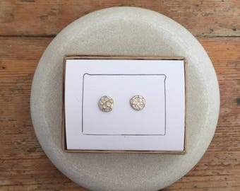 Hammered finish Circle stud 6mm