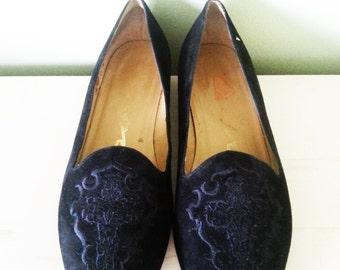 Vintage loafers, vintage black suede loafers, vintage woman shoes,