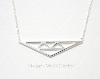 Plain Geometric Minimalist Triangle Necklace
