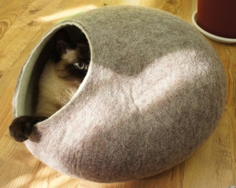 Cat bed, house, cave. Size M. Natural sheep wool. Hand felted. Color sand brown. Made by kivikis.