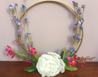Modern hoop wreath