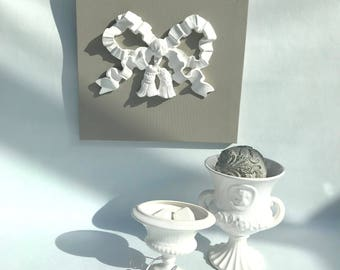 Taupe canvas with bow tassel plaster 30 cm