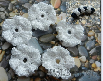 Small flowers applique, crocheted flowers, Crochet Flower applique white flowers Wedding decorations