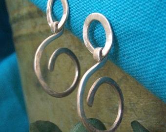 Infinite Mettle - OLIVIA post earrings - medium