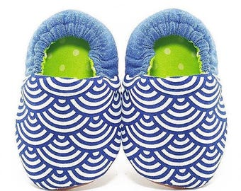 Japanese scallop and denim blue soft sole baby shoes, Soft sole baby booties, Baby Moccassins, Infant Crib Shoes