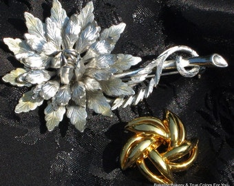 SaLe Pins 2 Flowers Lot Vintage Brooches Estate Jewelry Bold Silver Gold Power Mid Century Modernist High Relief Dimensional Layered Star