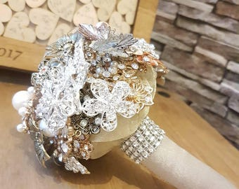 Bespoke brooch bouquet