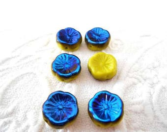 x 6 Bohemian 12 mm lime green and blue Hawaii flower beads.